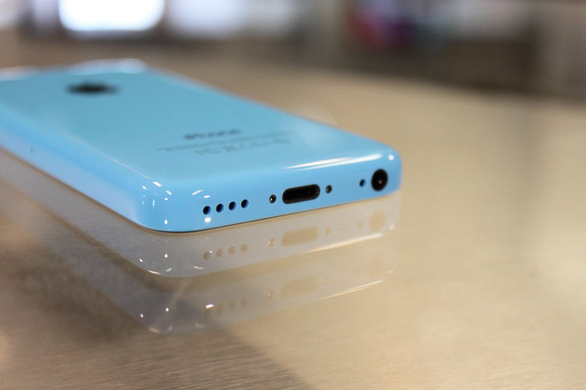 Speaker and microphones of iPhone 5C