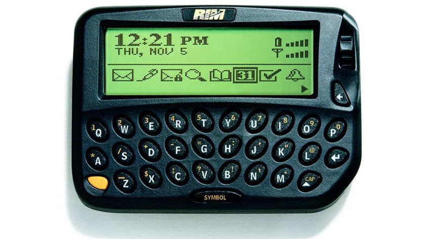 Black Berry 1st phone. RIM_950-900-90