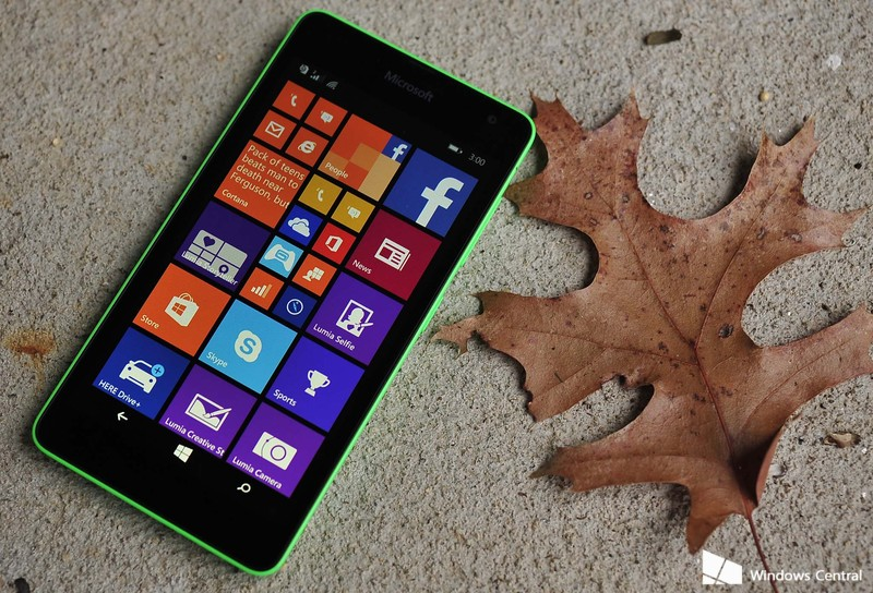 Lumia_535_hero_leaf