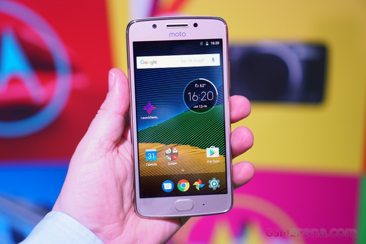 Hands-On-Reviews-of-Moto-G5S