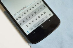 Download Fleksy one of the best android phone Keyboards with tons of new features.