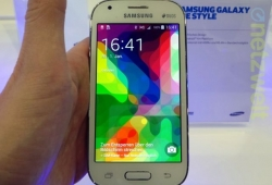 Samsung introduces Samsung Galaxy Ace Style in Germany.