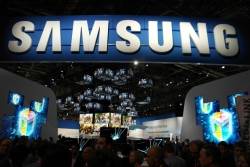Samsung Shipped 130.1 Million Phones Last Quarter, More than what  Apple, LG, and Nokia Combined shipped.